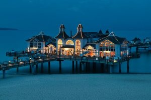 A restaurant on the water.