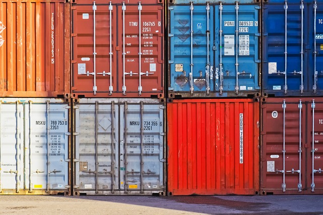 Portable shipping containers for moving to Boise