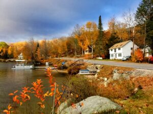New Hampshire countryside which makes retiring in New Hampshire very tempting